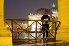 Ιταλία - Ρώμη - StPeter& x27 τετράγωνο του s στη βροχή Στοκ εικόνα με δικαίωμα ελεύθερης χρήσης