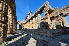 Ιταλία, Campania, Paestum - ναός Ποσειδώνα στοκ εικόνες