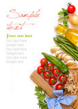 Ιταλικά ζυμαρικά με τα λαχανικά και τα χορτάρια Στοκ Εικόνες