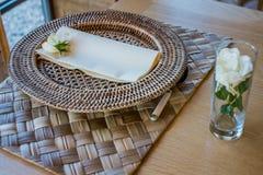 Ιταλικά ζύμες και ψωμί για τα πρόχειρα φαγητά και πρόγευμα με τα φρούτα Στοκ φωτογραφία με δικαίωμα ελεύθερης χρήσης