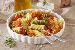 Ιταλικά χρωματισμένα ζυμαρικά στοκ εικόνα