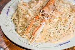 ιταλικές γαρίδες γαρίδων ζυμαρικών fetuccini Στοκ φωτογραφίες με δικαίωμα ελεύθερης χρήσης