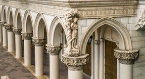 Ιταλικές στήλες και αψίδες Στοκ Εικόνα