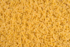 Ιταλική ανασκόπηση τροφίμων ζυμαρικών Farfalle ακατέργαστη Στοκ Εικόνες