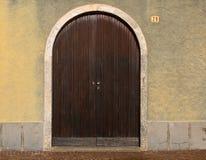 Ιταλική ξύλινη διπλή πόρτα Στοκ Εικόνα