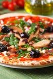 Ιταλική πίτσα με το arugula και τα μανιτάρια Στοκ εικόνες με δικαίωμα ελεύθερης χρήσης