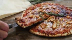 Ιταλική πίτσα τροφίμων απόθεμα βίντεο