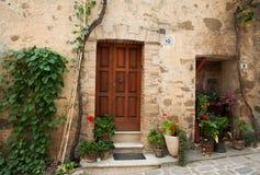 Ιταλική πόρτα Στοκ φωτογραφία με δικαίωμα ελεύθερης χρήσης