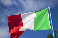 Ιταλική σημαία στον αέρα Στοκ εικόνες με δικαίωμα ελεύθερης χρήσης