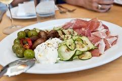 Ιταλικό πιάτο έτοιμο για την υπηρεσία Στοκ εικόνες με δικαίωμα ελεύθερης χρήσης