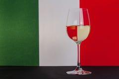 Ιταλικό ποτήρι του κρασιού στοκ φωτογραφία με δικαίωμα ελεύθερης χρήσης