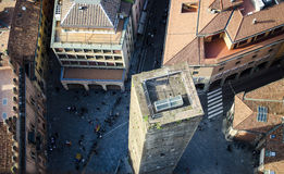 Ιταλικό τετράγωνο με τον πύργο Στοκ φωτογραφία με δικαίωμα ελεύθερης χρήσης