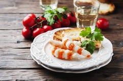Ιταλικό antipasto με τα shripms και το άσπρο κρασί Στοκ Εικόνες