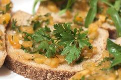 Ιταλικό bruschetta με τις κίτρινες ντομάτες Στοκ Φωτογραφία