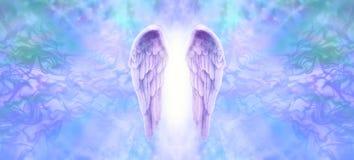 Ιώδες έμβλημα φτερών αγγέλου διανυσματική απεικόνιση