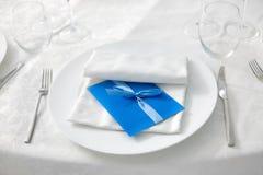 ιώδης γάμος ύφους λήψης χρώματος έμφασης στοκ εικόνα με δικαίωμα ελεύθερης χρήσης