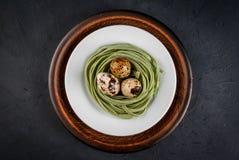Ιδέα για ένα ελαφρύ υγιές μεσημεριανό γεύμα σε Πάσχα Στοκ Εικόνα