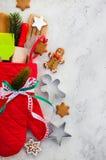 Ιδέα τυλίγματος δώρων Χριστουγέννων Στοκ Φωτογραφίες