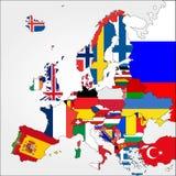 Ιδιαίτερα λεπτομερής χάρτης της Ευρώπης με τις σημαίες χώρας Στοκ εικόνες με δικαίωμα ελεύθερης χρήσης