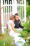 Ιδιωτική στιγμή γαμήλιων ζευγών στοκ φωτογραφία με δικαίωμα ελεύθερης χρήσης