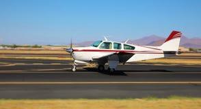 Ιδιωτικό αεροπλάνο - απογείωση/προσγείωση - τομέας γερακιών, Αριζόνα Στοκ εικόνες με δικαίωμα ελεύθερης χρήσης
