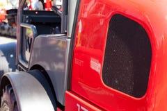 Κάγκελα προστασίας θερμαντικών σωμάτων, μηχανή, υπόβαθρο φορτηγών εκσκαφέων τρακτέρ Στοκ Εικόνες