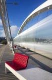 Κάθετη άποψη της τροχιοδρομικής γραμμής που διασχίζει τη γέφυρα Στοκ Εικόνες