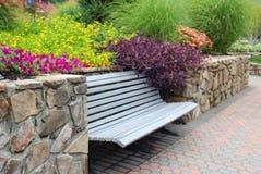 κάθισμα κήπων στοκ εικόνες