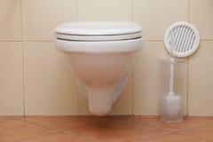 Κάθισμα τουαλετών στο λουτρό στοκ φωτογραφία με δικαίωμα ελεύθερης χρήσης
