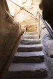 Κάθοδος στη σπηλιά κιμωλίας Στοκ εικόνες με δικαίωμα ελεύθερης χρήσης