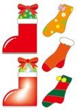 Κάλτσες Χριστουγέννων και μπότες Santa καθορισμένες διανυσματική απεικόνιση