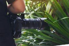 κάμερα και άτομο καμερών Στοκ φωτογραφία με δικαίωμα ελεύθερης χρήσης