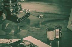 Κάμερα κανόνων του Βιτέρμπο Ιταλία 16/03/2018 παλαιά αναλογική με τις λουρίδες των αρνητικών Στοκ Εικόνες