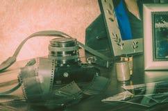 Κάμερα κανόνων του Βιτέρμπο Ιταλία 16/03/2018 παλαιά αναλογική με τις λουρίδες των αρνητικών Στοκ Φωτογραφίες
