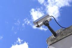 Κάμερα παρακολούθησης και επιτήρηση Στοκ φωτογραφία με δικαίωμα ελεύθερης χρήσης