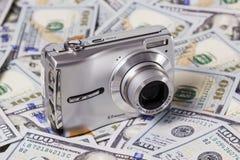 Κάμερα στα δολάρια Στοκ Εικόνες