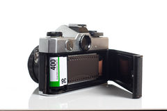 Κάμερα SLR με την ταινία που φορτώνεται Στοκ Φωτογραφίες