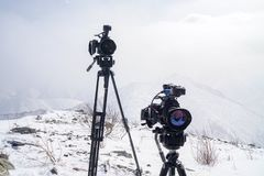 Κάμερες Canon πάνω από το βουνό στοκ φωτογραφίες