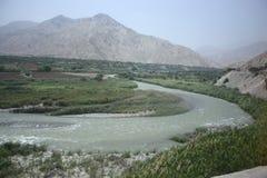 Κάμπτοντας περουβιανός ποταμός Στοκ εικόνα με δικαίωμα ελεύθερης χρήσης