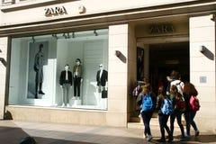 Κάννες, Γαλλία, 27 03 2017, κατάστημα Zara Στοκ Εικόνες
