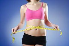 κάνοντας δίαιτα γυναικείες νεολαίες έννοιας Στοκ Εικόνες