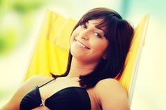 κάνοντας ηλιοθεραπεία γυναίκα Στοκ Εικόνα