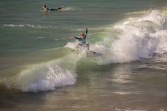 Κάνοντας σερφ στην παραλία του Σαν Κλεμέντε, Καλιφόρνια στοκ φωτογραφία με δικαίωμα ελεύθερης χρήσης