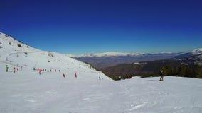 Κάνοντας σκι στο βουνό Πυρηναία στην Ισπανία, Masella, 4k μήκος σε πόδηα φιλμ μικρού μήκους