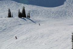 Κάνοντας σκι συριστήρας Π.Χ. Καναδάς κλίσεων στοκ εικόνα
