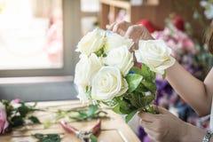 κάνοντας τη μόδα τη σύγχρονη ανθοδέσμη του λουλουδιού Στοκ Φωτογραφία