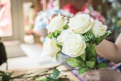 κάνοντας τη μόδα τη σύγχρονη ανθοδέσμη του λουλουδιού Στοκ Εικόνα