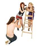 κάνοντας photoshoot το στούντιο τρί στοκ εικόνα με δικαίωμα ελεύθερης χρήσης