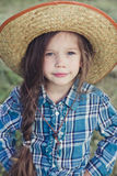 Κάουμποϋ μικρών κοριτσιών πορτρέτου Στοκ εικόνα με δικαίωμα ελεύθερης χρήσης