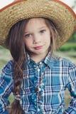 Κάουμποϋ μικρών κοριτσιών πορτρέτου Στοκ Εικόνες